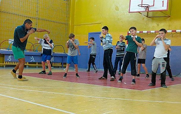 Где занимаются боксом, какие меры предосторожности нужно принимать и какие противопоказания у занятий боксом