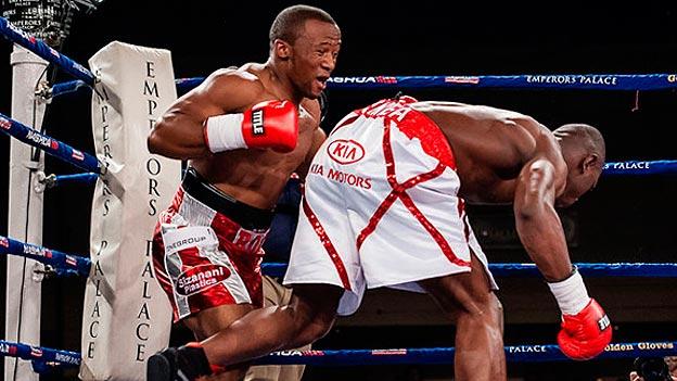 Илунга Макабу нокаутировал Табисо Мчуну в 11- ом раунде