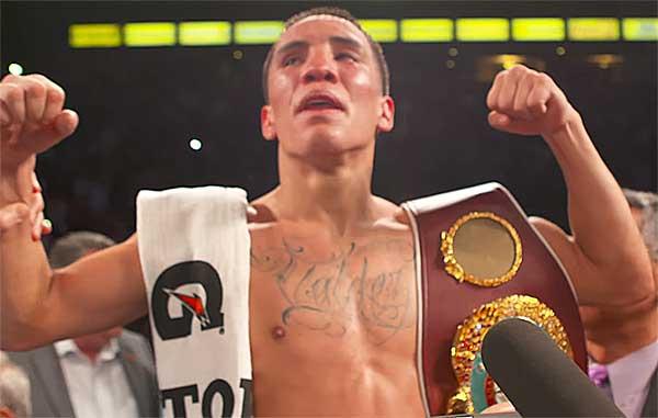 На фото победитель этого боя - Оскар Вальдес