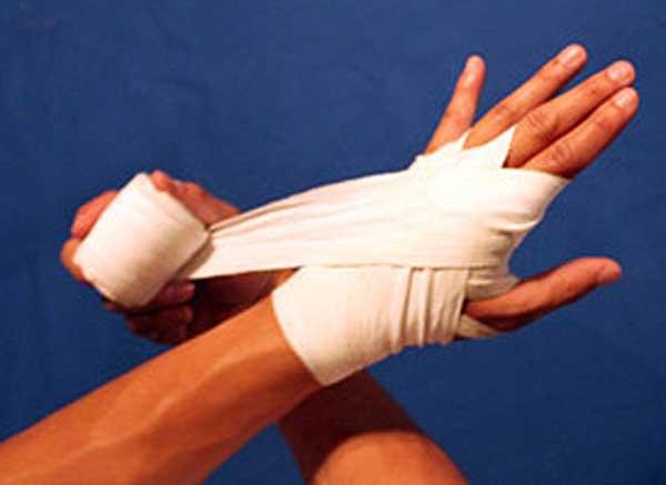 Как правильно бинтовать кисть руки эластичным бинтом при растяжении
