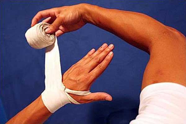 Сустав кисть бокс болит нога под коленом внутри