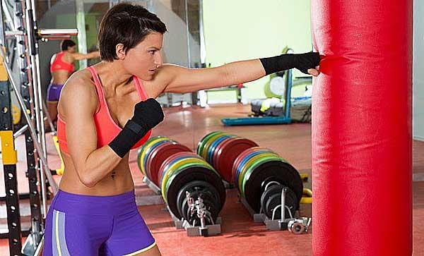 Тренировка боксёра в тренажёрном зале: программа, упражнения